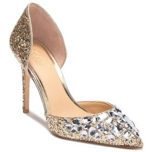 Badgley Mischka Upton Embellished Pump - Size 7